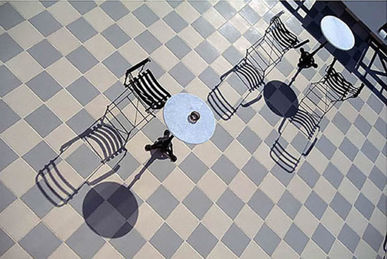 71GS-048 Checker tile and Chairs GR-2-